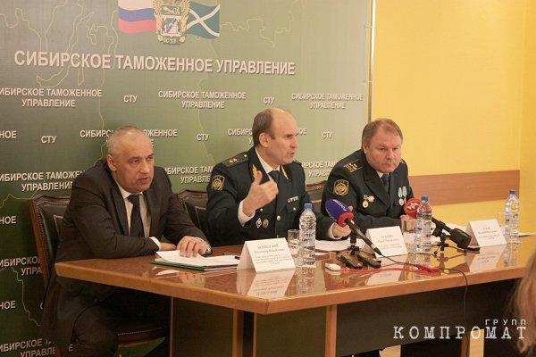 Юрий Ладыгин (слева) и Александр Безлюдский (в центре) были криминальными напарниками?