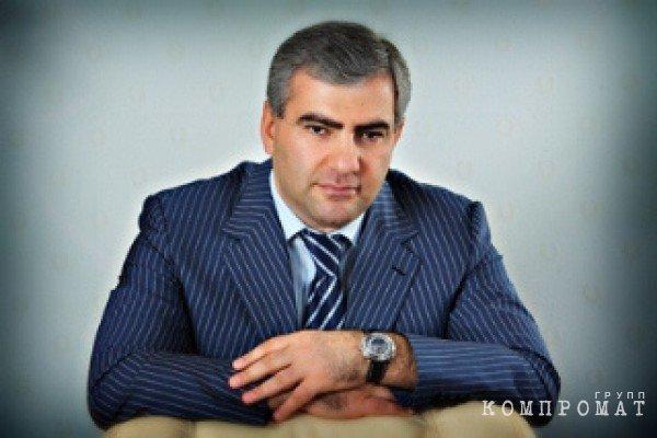 Связи российско-армянских бизнесменов с властями Армении
