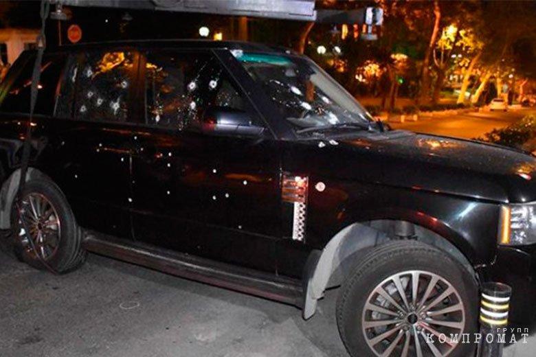 Автомобиль, в котором расстреляли Ровшана Джаниева