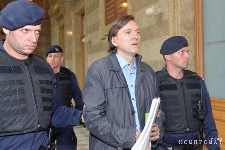 Прокуратура объединила экс-руководство «Зимней вишни» в ОПГ