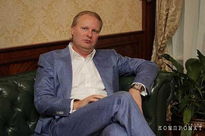 СКР заинтересовался заявлением экс-замминистра о рейдерстве генерала ФСБ