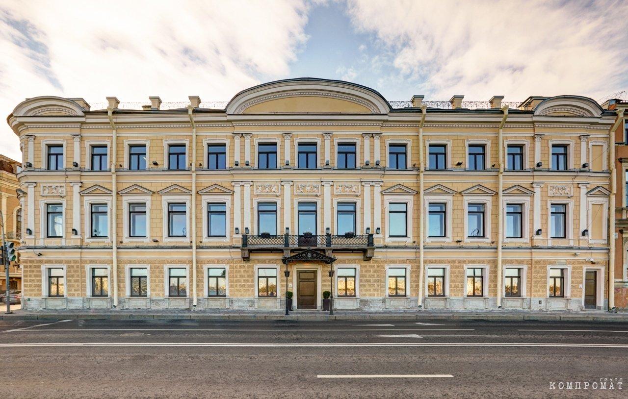 Фонд «Дар» одноклассника Медведева расстался с историческими квартирами в Санкт-Петербурге
