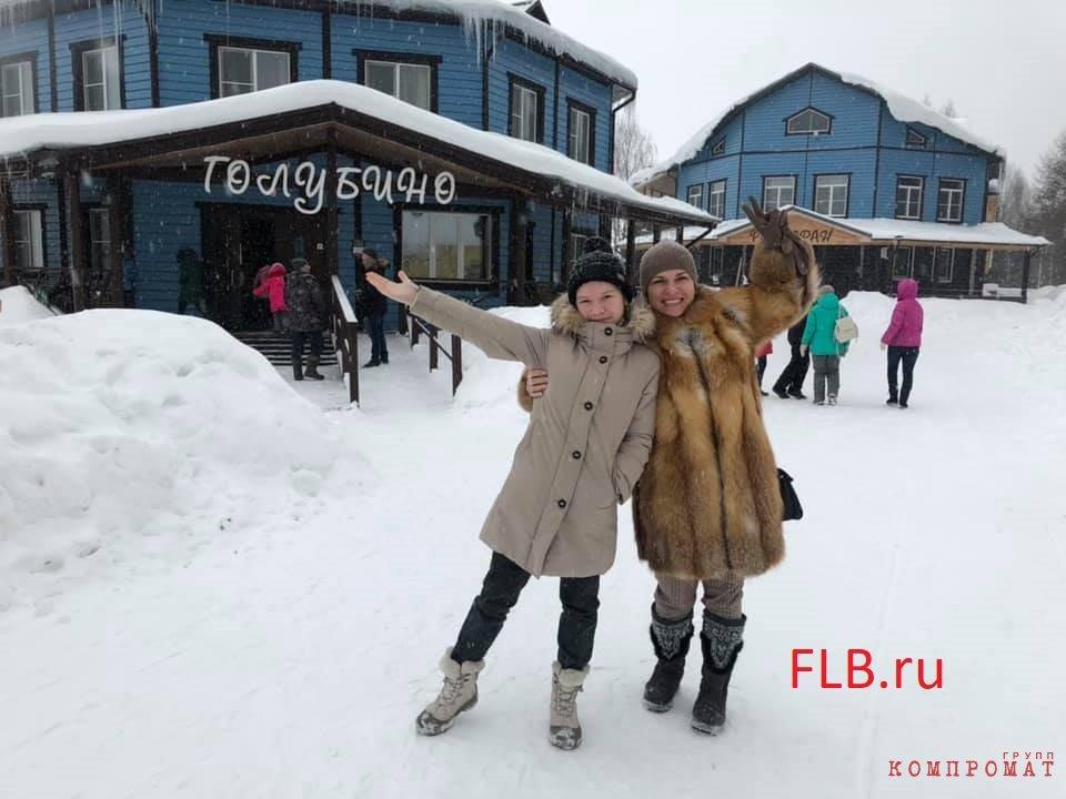Марина Носкова с 14-летней дочерью Ириной, 2019