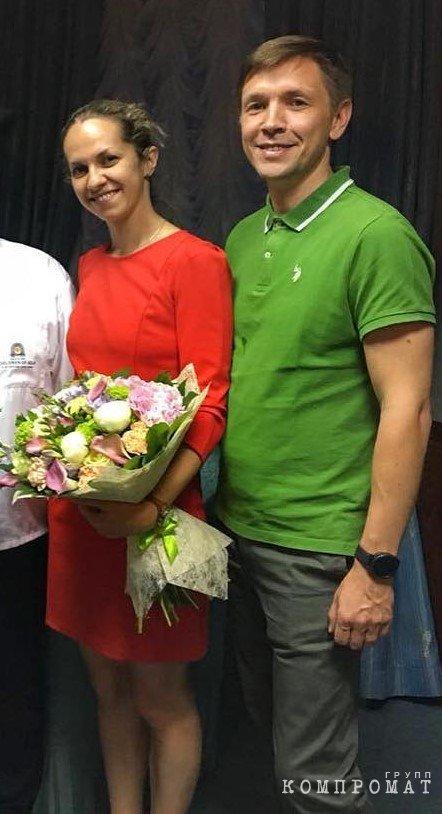 Министр Носков с новой женой Еленой Петровой