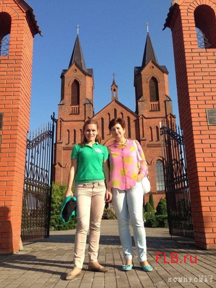 Бывшая жена министра Марина Носкова (слева) и жена родственника министра Елена Носкова (Шанина)