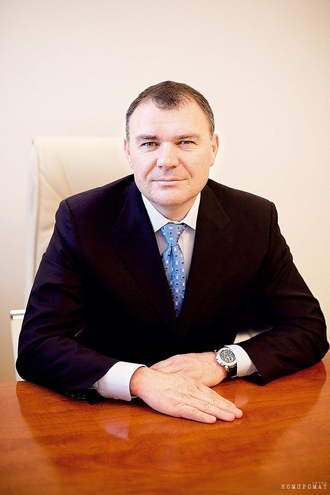 Часы Henry Wilson приблизительной стоимостью в 2,5 миллиона рублей