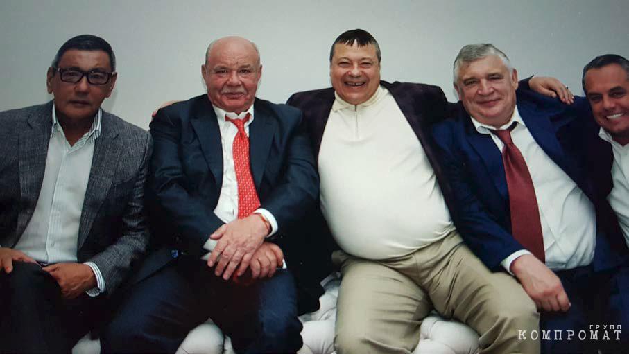 Кенес Ракишев против Братского круга
