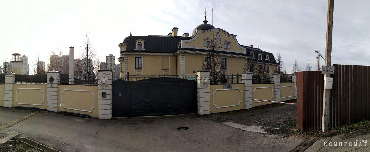 Новая областная буржуазия. Кто живёт в тех дворцах