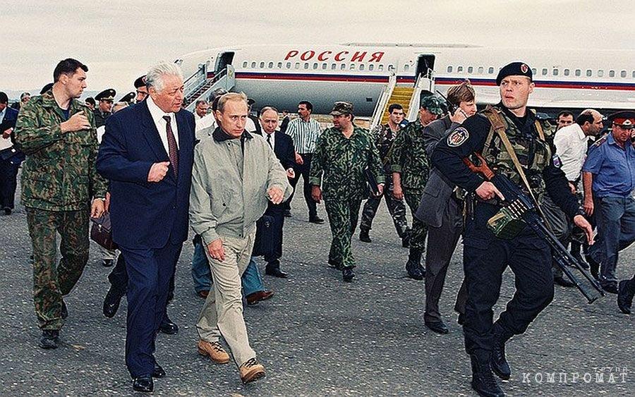 Игорь Бабушкин c пулеметом, 1999 год.