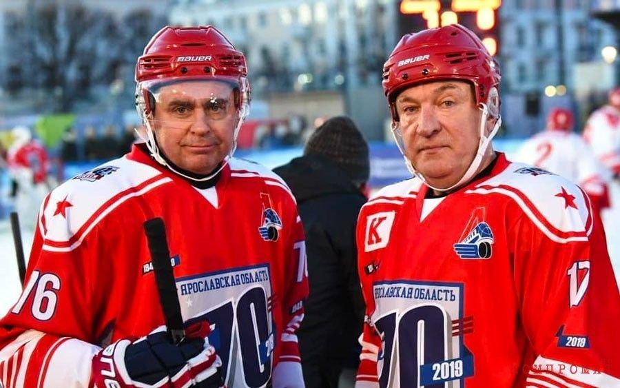 Миронов вместе с президентом хоккейного клуба «Локомотив» Юрием Яковлевым