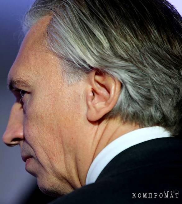 Дюков Александр Валерьевич, его большие прижатые уши и судебные ширмы махинаций ПАО «Газпром нефть»