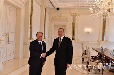 Джозеф Мускат и Ильхам Алиев (справа)