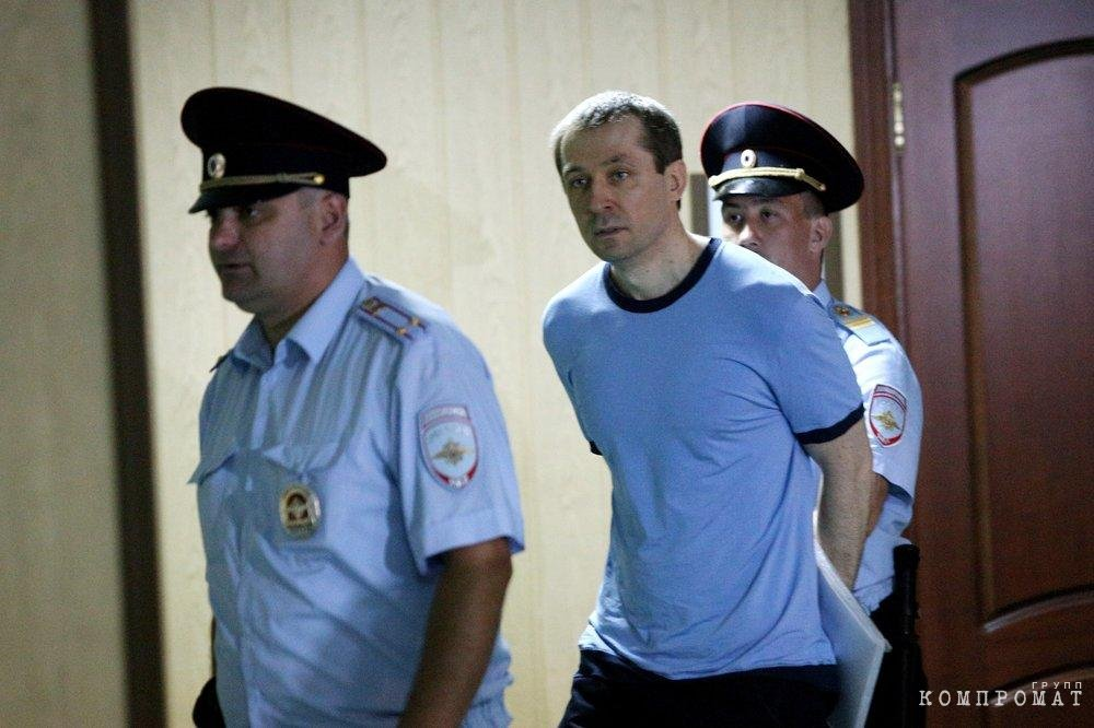 СК перехватил записку экс-полковника Захарченко вероятным покровителям