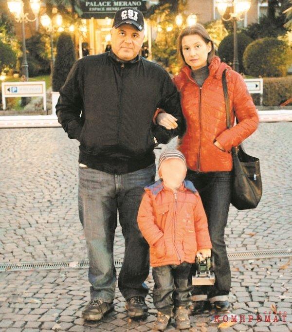 С женой и сыном в Италии