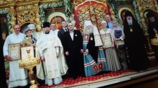 В 2017 году Михаил Мишустин получил патриарший знак храмостроителя за участие в восстановлении храма в Уборах