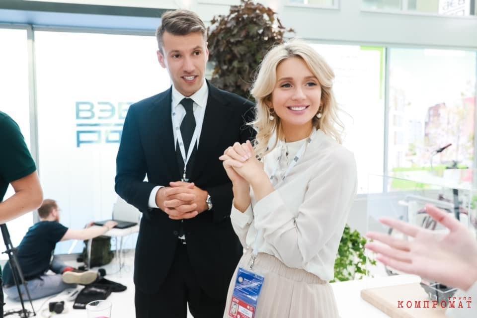 Юлия Казинец с Александром Плутником на Петербургском экономическом форуме