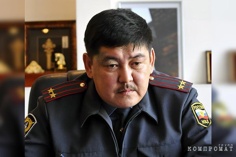 Бывший начальник УГИБДД Бурятии Аламжи Сыренов