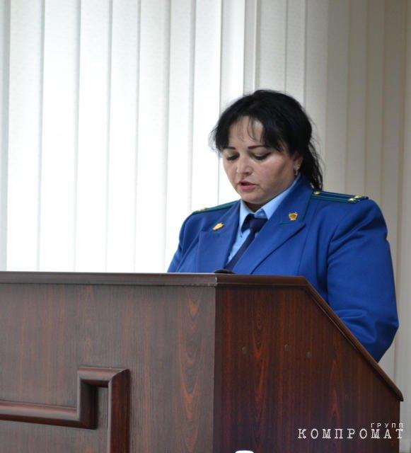 Сотрудник, оформившая на работу прокурора-мошенника продолжает работать с кадрами в аппарате прокуратуры Севастополя