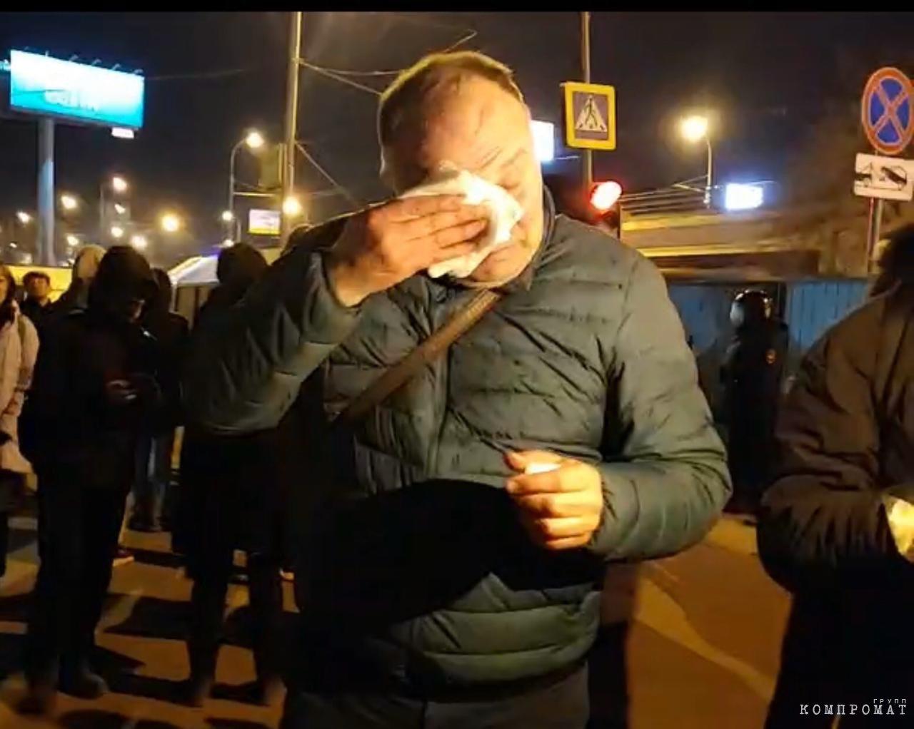 Полицейский распылил мужчине в лицо перцовый баллончик