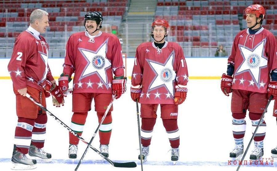 Фетисов, Лукашенко и Путин на товарищеском матче звезд хоккея в 2014 году
