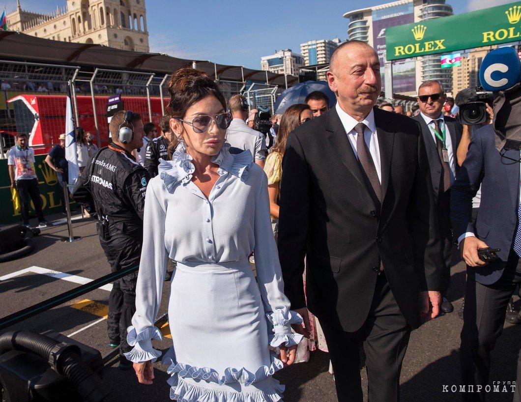 Ильхам Алиев с супругой и Первым вице-президентом Азербайджана Мехрибан Алиевой