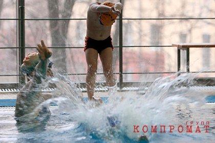 После массового отравления людей в бассейне Астрахани возбуждено дело