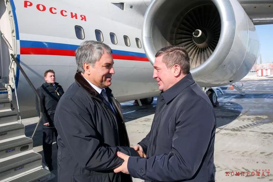 Оппоненты Вячеслава Володина (на фото слева) на федеральном уровне внимательно следят за ситуацией в регионе, управляемом Андреем Бочаровым (на фото справа).