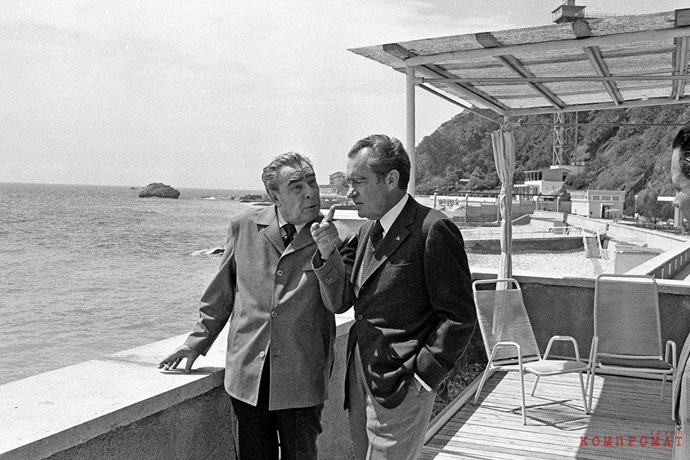 Леонид Брежнев и Ричард Никсон в Крыму, 1974