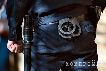 Банду российских полицейских обвинили в вымогательстве денег у наркоторговца