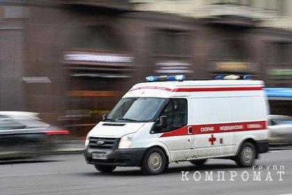 В российском регионе на женщину упала остановка