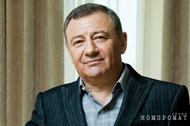 Аркадий Ротенберг курирует весь алкогольный рынок России?