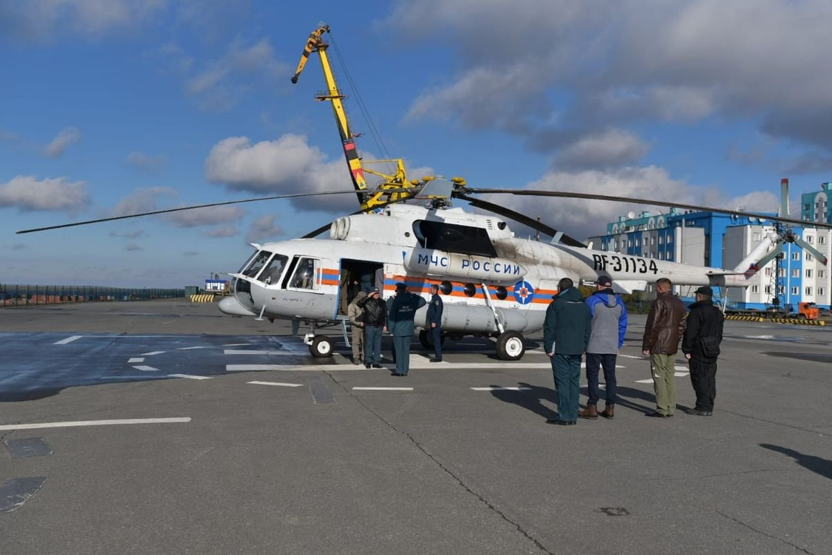 Евгений Зиничев на том самом вертолете прилетел на учения
