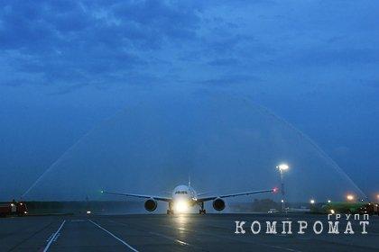 Самолет Йошкар-Ола  Москва экстренно вернулся в аэропорт из-за отказа двигателя
